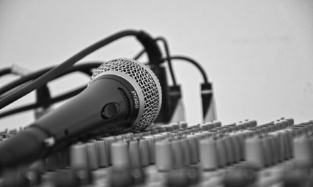 Wireless Microphones | Electronic Contracting Company